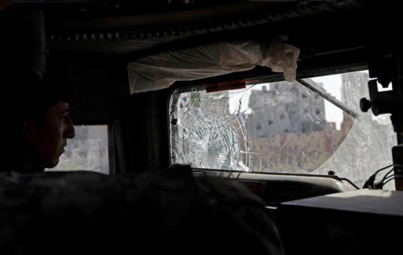Khoc liet cuoc chien giua duong pho Raqqa, Syria-Hinh-4
