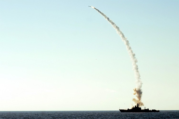Nga pho dien suc manh Kalibr o Syria khien My muoi mat-Hinh-10