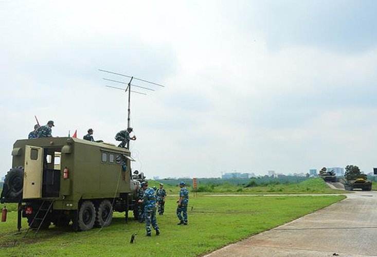 """Can canh """"than ho menh"""" cho ten lua S-300PMU-1 cua Viet Nam-Hinh-7"""
