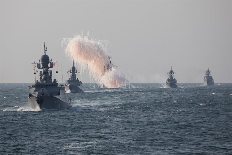 Ham doi Caspian: Ngon don moi cua Hai quan Nga-Hinh-5