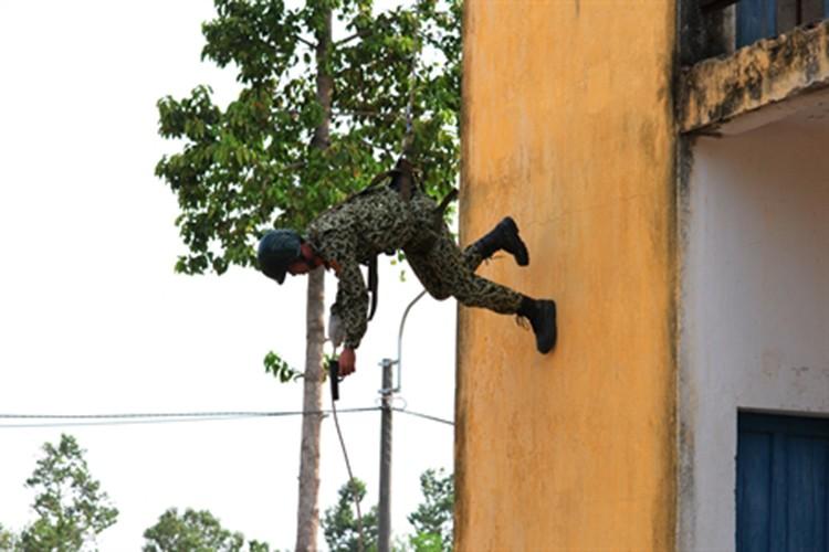 """Bat ngo """"do nghe"""" giup dac cong Viet Nam tro nen vo hinh-Hinh-16"""