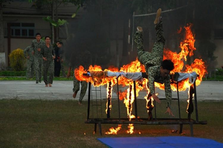 """Bat ngo """"do nghe"""" giup dac cong Viet Nam tro nen vo hinh-Hinh-18"""