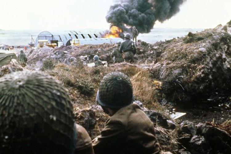 Ve tinh Lien Xo danh chim tau chien Anh trong Chien tranh Falkland-Hinh-2