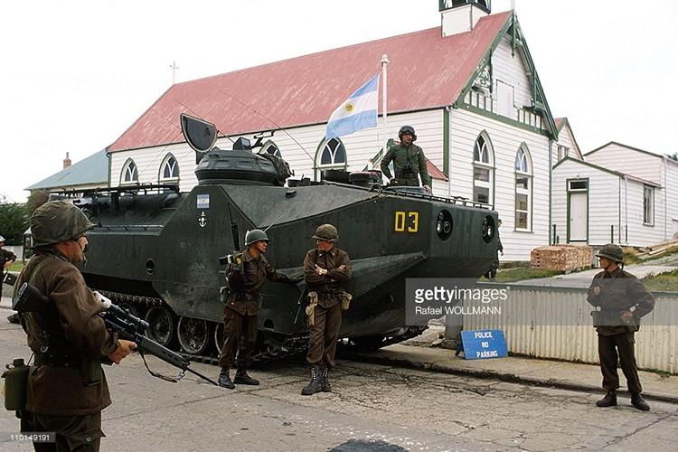 Ve tinh Lien Xo danh chim tau chien Anh trong Chien tranh Falkland-Hinh-3