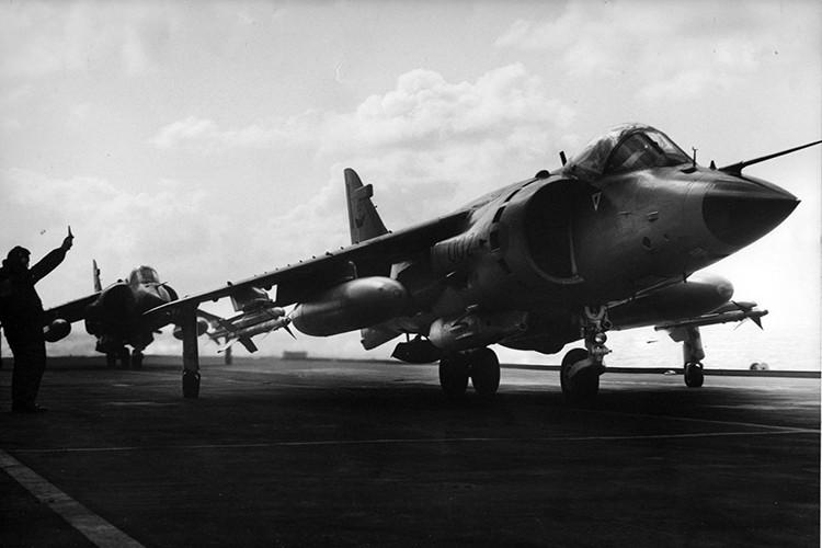 Ve tinh Lien Xo danh chim tau chien Anh trong Chien tranh Falkland-Hinh-6