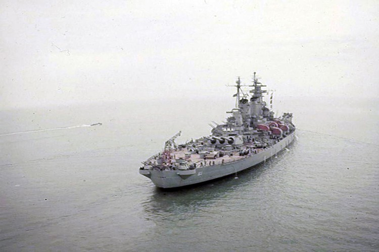 My son lai sieu ham USS Iowa thang tien toi Trieu Tien-Hinh-11