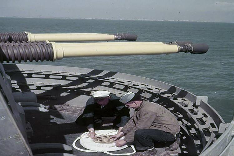 My son lai sieu ham USS Iowa thang tien toi Trieu Tien-Hinh-2