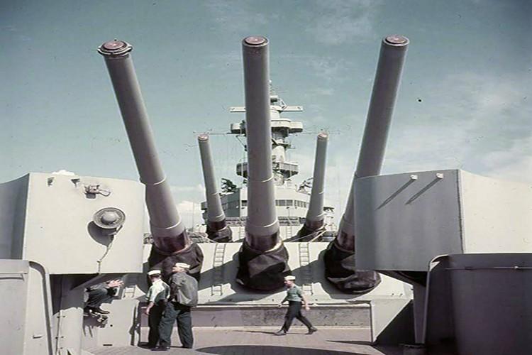 My son lai sieu ham USS Iowa thang tien toi Trieu Tien-Hinh-3