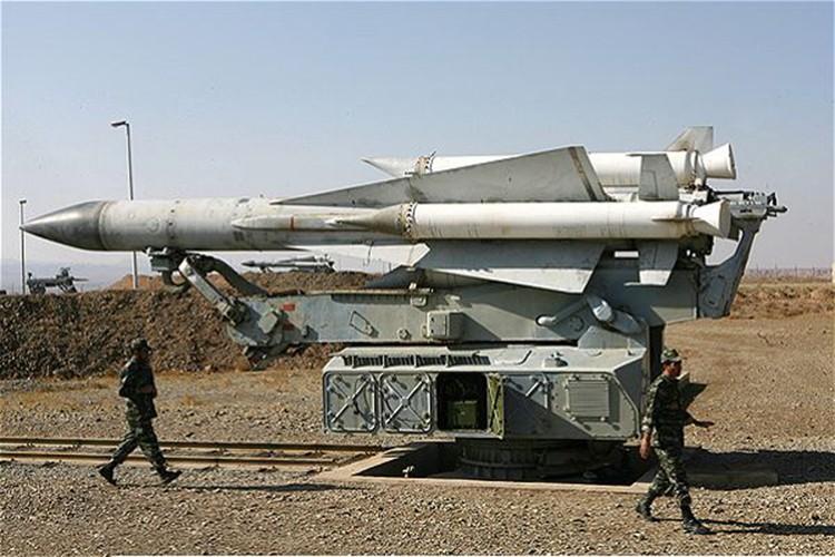"""Vi sao """"luoi lua"""" phong khong Syria luon bat hut may bay Israel?-Hinh-4"""