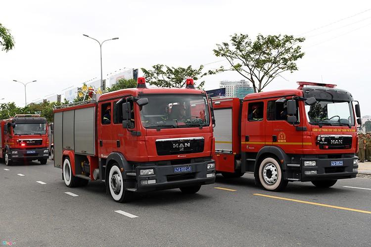 Ham ho dan xe dac chung bao ve Tuan le Cap cao Apec-Hinh-14