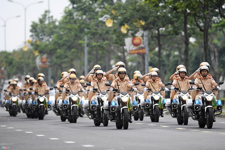 Ham ho dan xe dac chung bao ve Tuan le Cap cao Apec-Hinh-4
