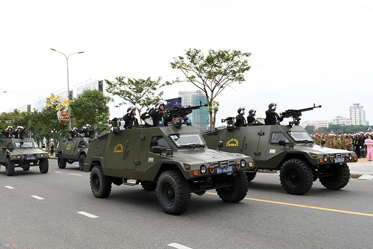 Ham ho dan xe dac chung bao ve Tuan le Cap cao Apec-Hinh-7