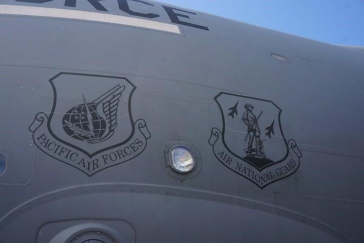 Phi cong sieu van tai C-17 My ke chuyen ve Viet Nam