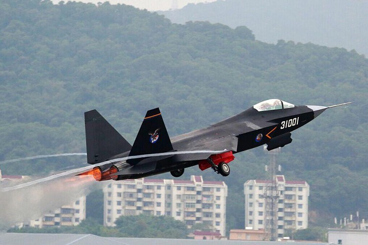 Cuoc dua J-31 va F-35: Ke tam lang, nguoi nua can-Hinh-2