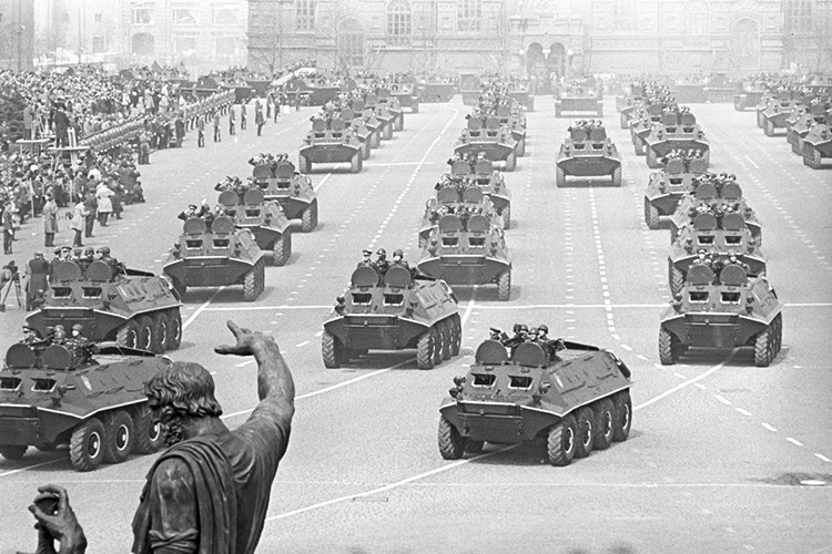 Choáng ngợp kho vũ khí của lục quân Hồng quân Liên Xô Cập nhật lúc: 19:30 26/02/2018