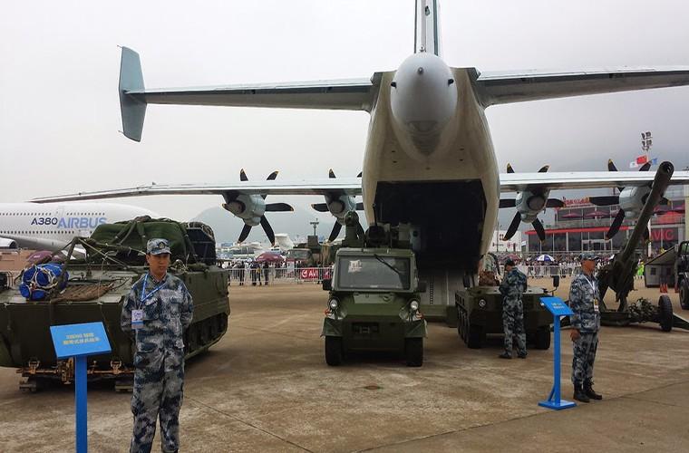 Lo nuoc dau tien dam mua van tai co Y-9E Trung Quoc-Hinh-3