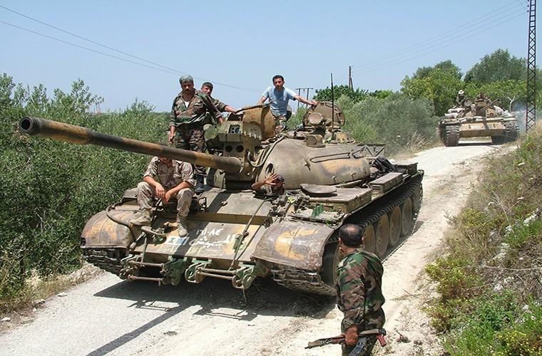 Kinh ngac xe tang T-55 Syria duoc Trieu Tien nang cap