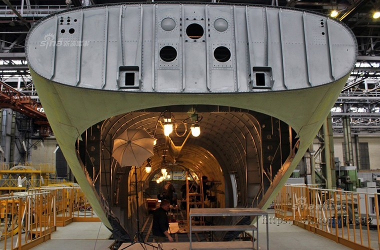 Tham nha may lap rap van tai co Il-112V cua Nga-Hinh-3