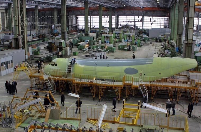 Tham nha may lap rap van tai co Il-112V cua Nga-Hinh-4