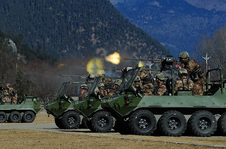 Soi xe dia hinh ATV cua bo binh co gioi Trung Quoc-Hinh-2