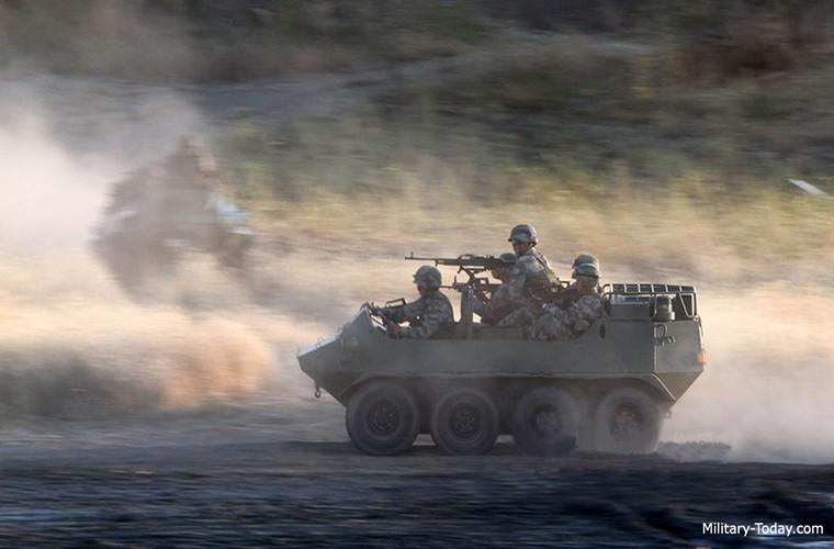 Soi xe dia hinh ATV cua bo binh co gioi Trung Quoc-Hinh-4