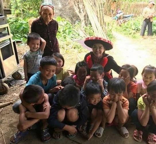 Bat ngo cat xe dien vien quan chung trong MV Bich Phuong-Hinh-5