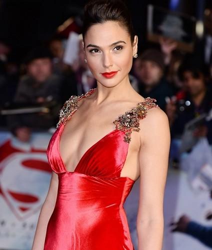 Tu hoa hau den chien binh van nguoi me cua Wonder Woman-Hinh-8