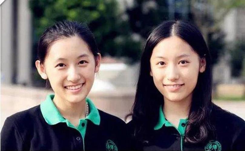 Chi em sinh doi noi tieng nguoi Trung Quoc cung tot nghiep Harvard-Hinh-3