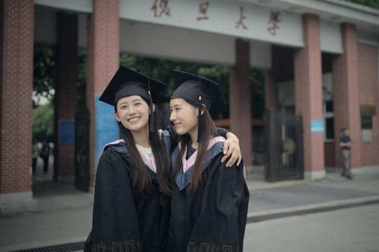 Chi em sinh doi noi tieng nguoi Trung Quoc cung tot nghiep Harvard-Hinh-4