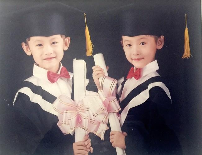 Chi em sinh doi noi tieng nguoi Trung Quoc cung tot nghiep Harvard-Hinh-8