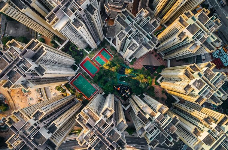 Ngo ngang nhung toa cao oc Hong Kong nhin tu tren... troi-Hinh-2