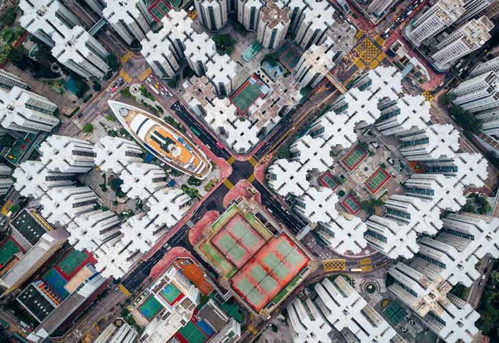 Ngo ngang nhung toa cao oc Hong Kong nhin tu tren... troi-Hinh-4