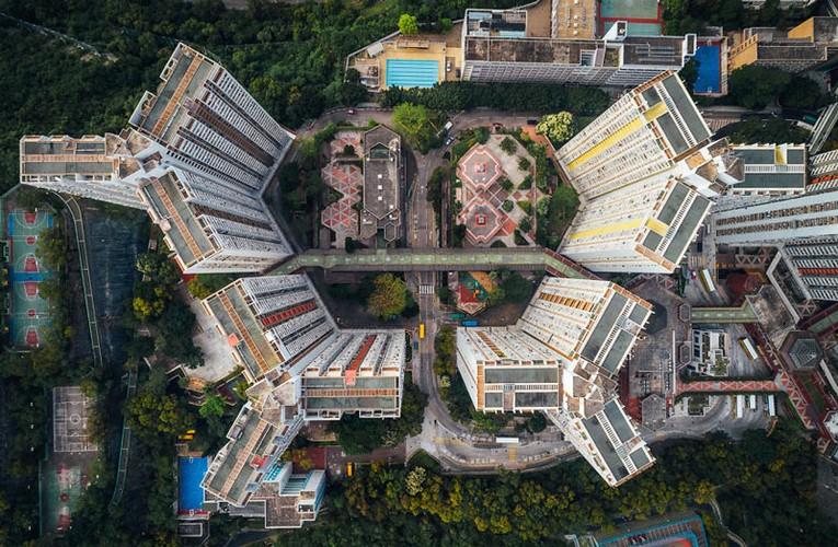 Ngo ngang nhung toa cao oc Hong Kong nhin tu tren... troi-Hinh-7