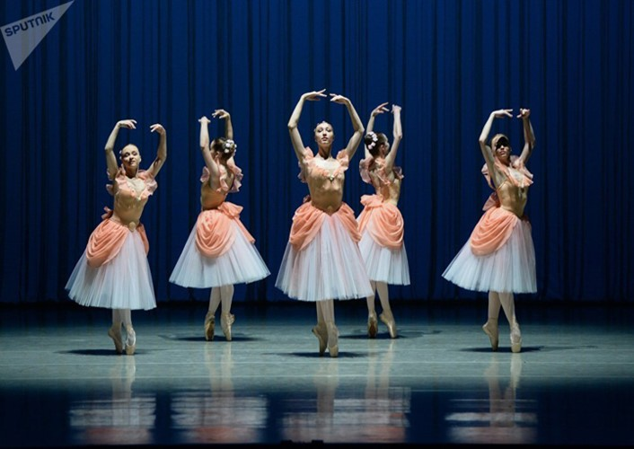 Kham pha cuoc song kho luyen cua cac vu cong Ballet tre-Hinh-10