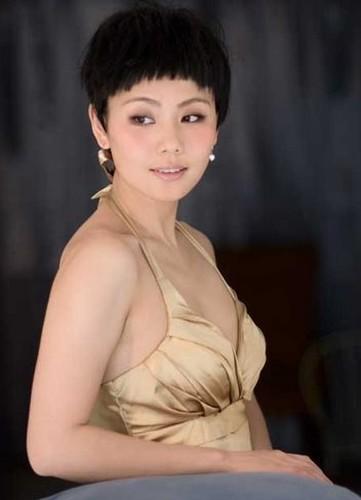 """Lieu Hong """"Hoan Chau Cach Cach"""" U40 non na """"an dut"""" gai 20-Hinh-3"""