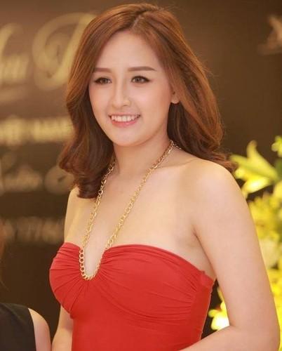 Bang hoang voi than hinh phat tuong cua Hoa hau Mai Phuong Thuy-Hinh-2