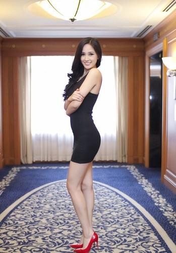 Bang hoang voi than hinh phat tuong cua Hoa hau Mai Phuong Thuy-Hinh-5