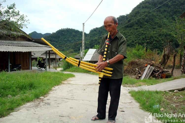"Ve ""muong tram tuoi"", hoi chuyen cu ong lay vo o tuoi 95"