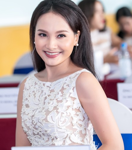 Bieu cam cua Bao Thanh khi cham tran vo Viet Anh chon dong nguoi