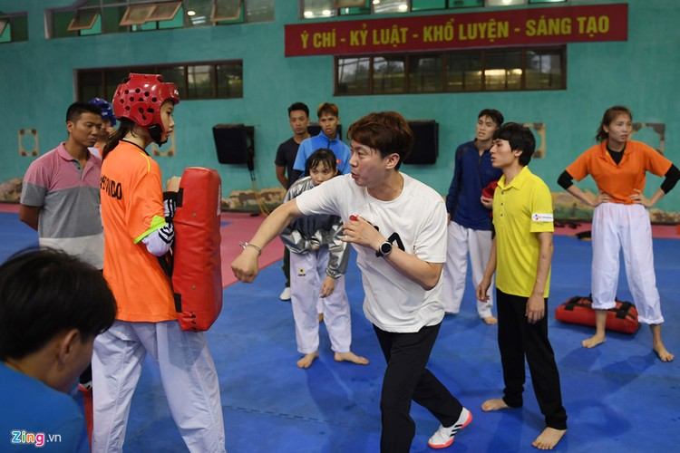 Tuyen taekwondo kho luyen bang dung cu dac biet truoc SEA Games-Hinh-11