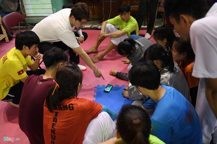 Tuyen taekwondo kho luyen bang dung cu dac biet truoc SEA Games-Hinh-14