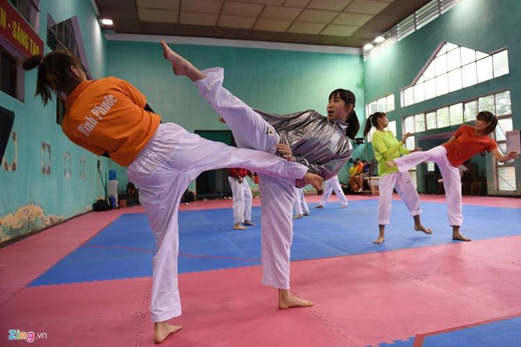 Tuyen taekwondo kho luyen bang dung cu dac biet truoc SEA Games-Hinh-3