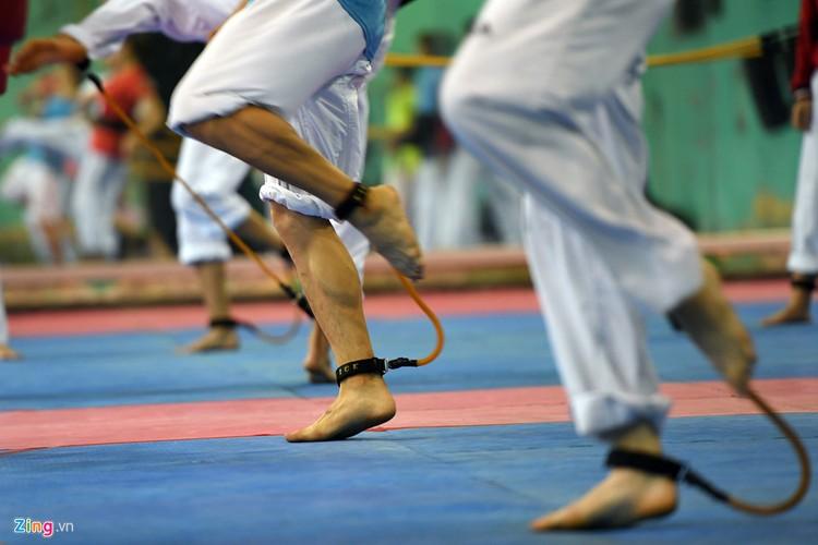 Tuyen taekwondo kho luyen bang dung cu dac biet truoc SEA Games-Hinh-6