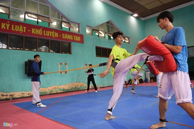 Tuyen taekwondo kho luyen bang dung cu dac biet truoc SEA Games-Hinh-7