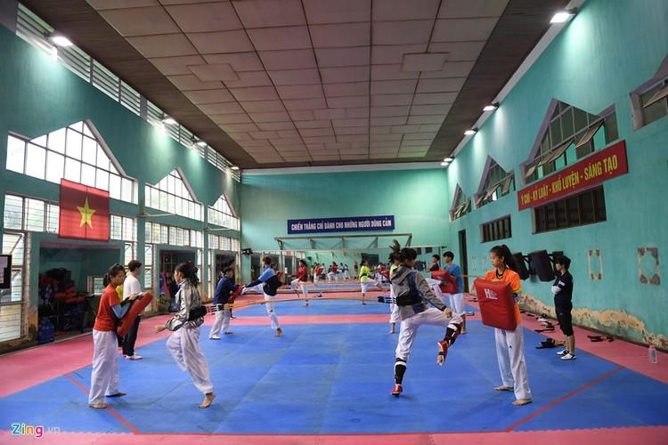Tuyen taekwondo kho luyen bang dung cu dac biet truoc SEA Games