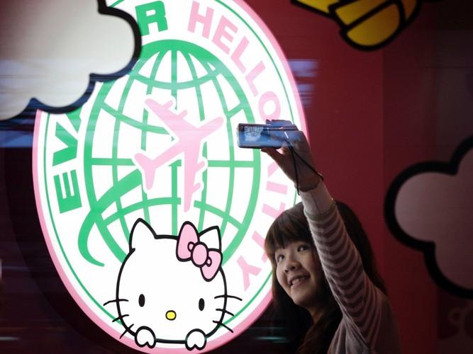 Kham pha may bay Hello Kitty de thuong nhat the gioi-Hinh-3