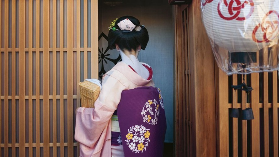 Cuoc song bi an cua cac thieu nu kho luyen thanh geisha-Hinh-10