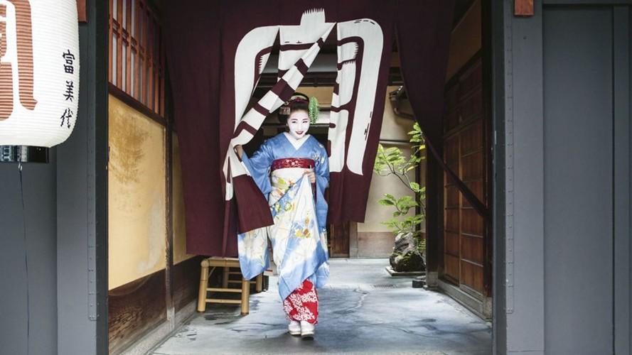 Cuoc song bi an cua cac thieu nu kho luyen thanh geisha-Hinh-6
