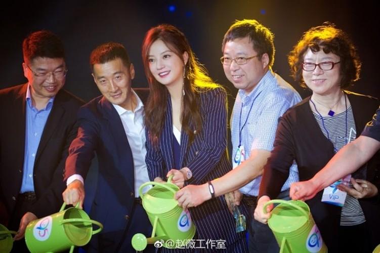 """""""Boc me"""" nhan sac that cua nang Tieu Yen Tu khi chua photoshop-Hinh-3"""