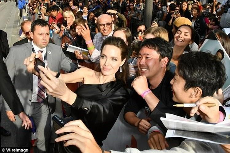Pax Thien 13 tuoi banh bao chung chac ben me Angelina Jolie-Hinh-7